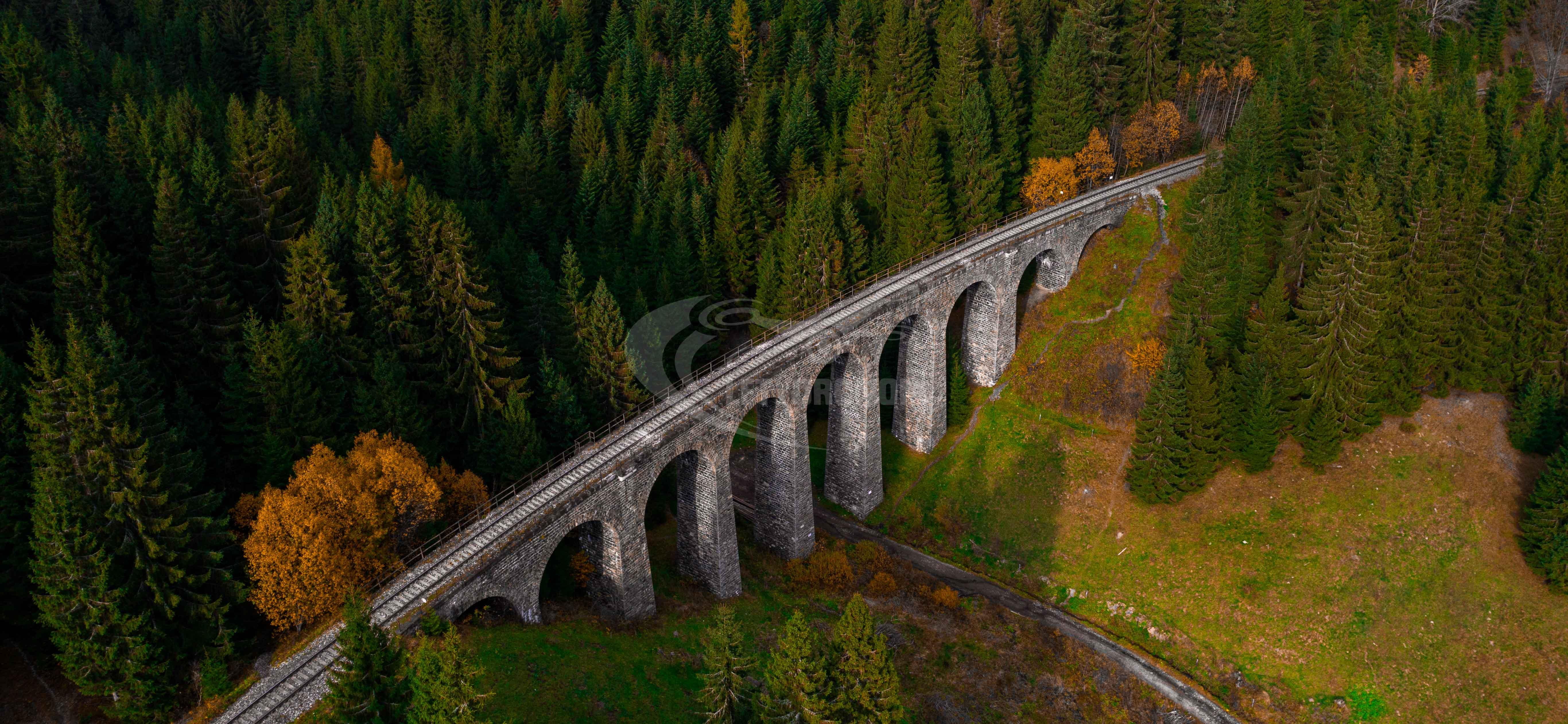 Viadukt z dronu upravený